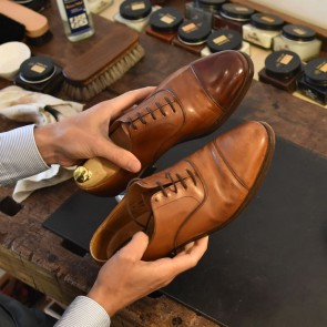 Schoenpoetsservice - ShoeCare-Shop Basis